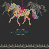 Weinlesehintergrund mit dekorativen Pferden Stockfoto
