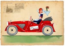 Weinlesehochzeitseinladung mit der Braut und Bräutigam, die Retro- Auto reiten Lizenzfreies Stockfoto