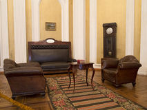 Weinleseinnenraum des 19. Jahrhunderts mit Möbeln Stockfoto