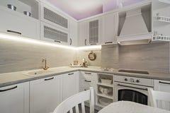 Weinlesekücheneinzelteile, Verzierungen und Küchendetails in der klassischen Art Lizenzfreie Stockfotos