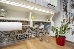Weinlesekücheneinzelteile, Verzierungen und Küchendetails in der klassischen Art Stockbild