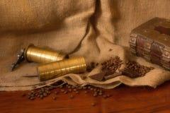 Weinlesekaffeemühle lizenzfreies stockbild
