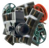 Weinlesekamera mit Film und Rädern stockfotos