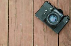 Weinlesekamera, während das Tragen der Zenit-HELIOS-Linse auf einem w stillsteht Lizenzfreie Stockbilder