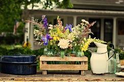 Weinleselandblumen Stockfotografie