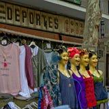 Weinlesemannequins auf EL Rastro, Madrid fliehen Markt Stockfotografie