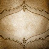 Weinlesemetallhintergrundillustration mit überlagertem gelochtem Metallspitze-Designrahmen lizenzfreie stockfotografie