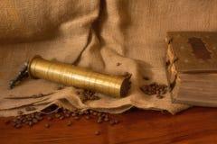 Weinleseorientale-Kaffeemühle Lizenzfreie Stockfotos