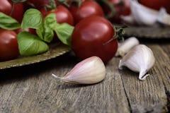 Weinleseplatte und Gemüsemischung Stockbild