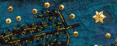 Weinlesesarigewebe mit Verschönerungen Lizenzfreies Stockbild