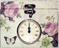 Weinleseschatulle mit Uhr Stockfoto