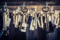 Weinleseschlüssel mit Zahl im Hotel Stockfoto