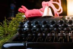 Weinleseschreibmaschine für Weihnachten Lizenzfreies Stockfoto