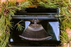 Weinleseschreibmaschine für Weihnachten Stockfotos
