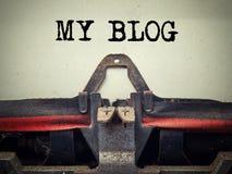 Weinleseschreibmaschine mein Blogtext Stockfotografie