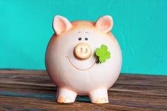 Weinleseschwein moneybox Lizenzfreie Stockfotos