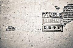 Weinlesesignal auf spanisch Stockbilder