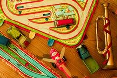 Weinlesespielwaren Spielwaren für Jungen Retro- Spielwaren Lizenzfreie Stockfotografie