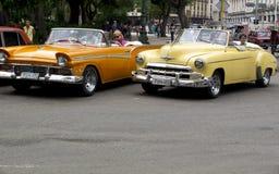Weinlesetaxi in Havana Stockbilder