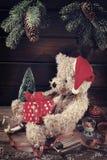 Weinleseteddybär für Weihnachten Lizenzfreies Stockbild