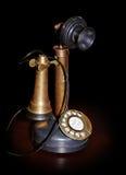 Weinlesetelefon auf Tabelle Stockbild
