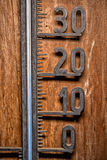 Weinlesethermometer Celsius 20 Grad Blauniveau Stockfotos