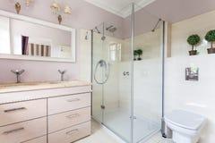 Weinlesevilla - Badezimmer Stockfoto