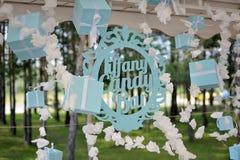 Weinlesezeichen ` Tiffany Candy Bar-` mit Geschenkboxen Lizenzfreies Stockbild