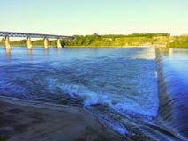 Weir του Σασκατούν Saskatchewan στον ποταμό Στοκ φωτογραφία με δικαίωμα ελεύθερης χρήσης