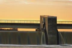 Weir da barragem Imagens de Stock