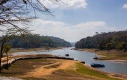 Weise zu Thekkadi-Bootfahrt stockfotos