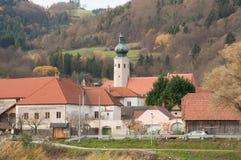 Weissenkirchen,奥地利在小镇11月2015年,有chur的A 免版税库存照片