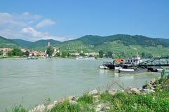 Weissenkirchen Danube River, Wachau dal, Österrike Arkivfoton