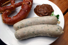 Weisswurst, Brezel & süßer Senf - Bavarian veal sa Royalty Free Stock Image