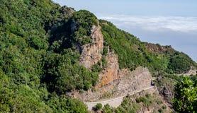 Weite Ansicht über eine Straße zu Anaga-Berg stockfoto