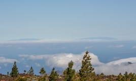 Weite Ansicht vom Berg ?ber dem Meer stockfoto