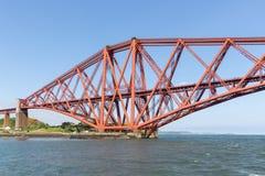 Weiter Brücke über Förde von weiter nahe Queensferry in Schottland stockbild