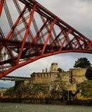 Weiter Brücke und Inchgarvie Lizenzfreie Stockfotos