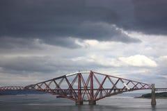 Weiter Schienenbrücke in Schottland lizenzfreies stockbild