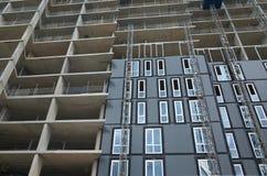 Weitwinkelansicht eines Wohngebäudes im Bau in Bracknell, England Lizenzfreie Stockbilder