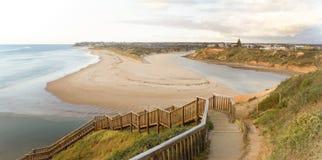 Weitwinkelansicht von den Southport-Strand-Schritten, die Sonnenuntergang sich nähern Stockbilder