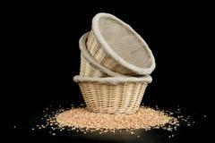 Weizen in einem bascet lizenzfreie stockfotos