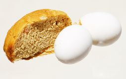Weizenbrot und gekochte Eier Lizenzfreie Stockbilder