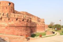 Wejście bramy i ścienny ochrania Agra fort Fotografia Royalty Free