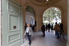 Wejście podwórze ponowny Hotelowy Dieu fotografia stock