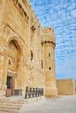 Wejście Qaitbay kasztel, Aleksandria, Egipt zdjęcia royalty free