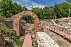 Wejście rzymski skąpanie w antycznym Diocletianopolis, miasteczko Hisarya, Bułgaria zdjęcie royalty free