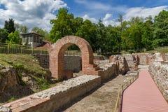 Wejście rzymski skąpanie w antycznym Diocletianopolis, miasteczko Hisarya, Bułgaria obraz royalty free