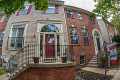 Wejście typowi amerykańscy domy zdjęcie royalty free