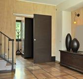 Wejście z ślizgowym drzwi Obrazy Royalty Free